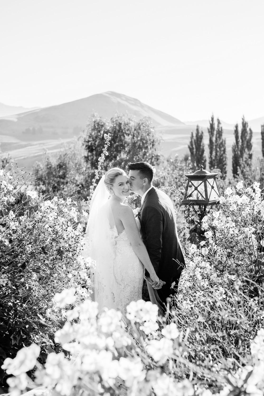 wedding-0329-stoneridge-estate-flowers-kiss-queensland.jpg