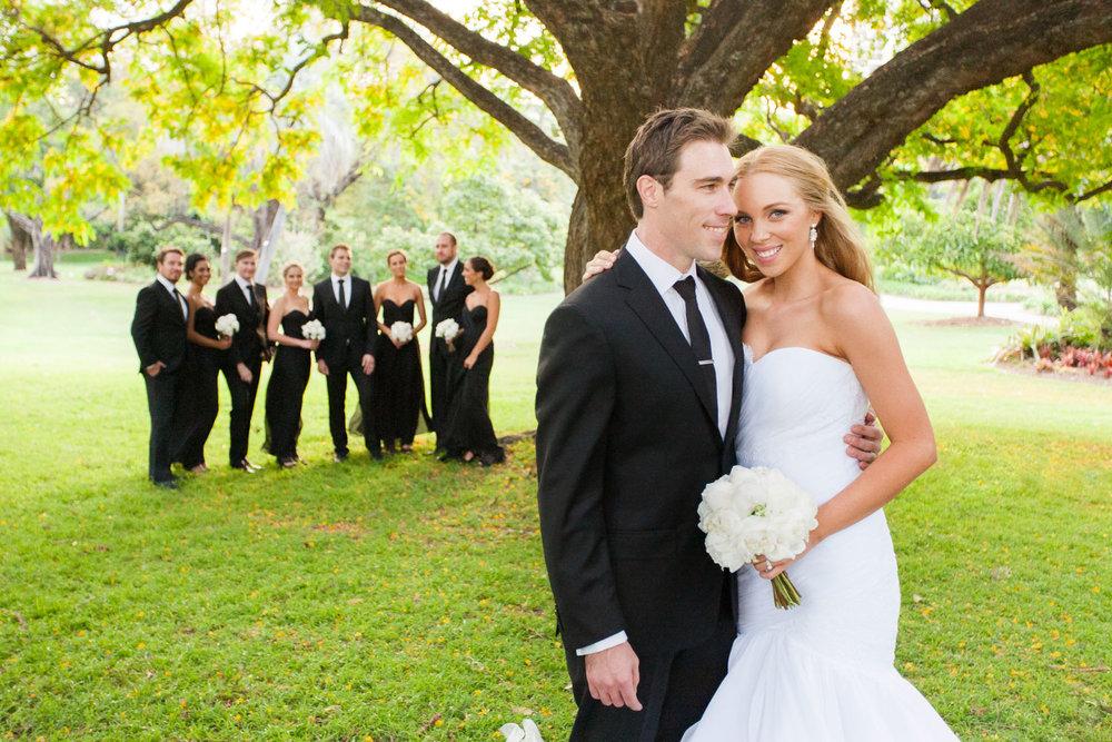 wedding-0278-gardens-trees-green-bridal-party-queensland.jpg
