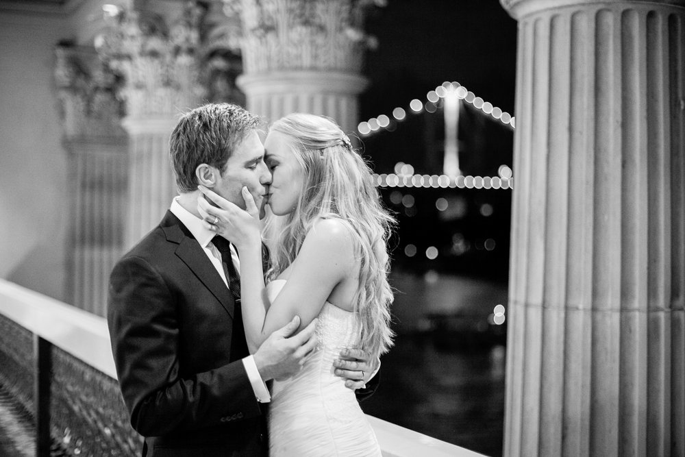 wedding-0289-storey-bridge-kiss-views-brisbane.jpg