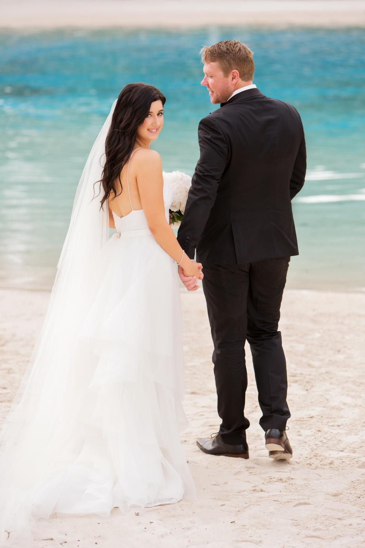 wedding-0217-gorgeous-bride-skirt-veil-pool-brisbane.jpg