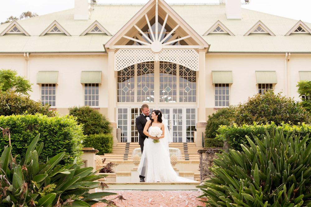 wedding-0218-resort-bride-amazing-peonies-queensland.jpg