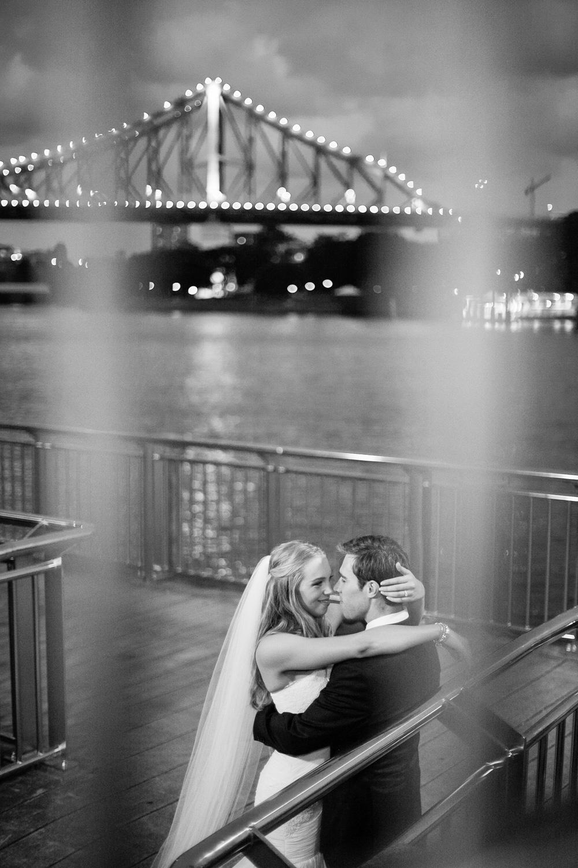 wedding-0290-storey-bridge-boardwalk-romantic-queensland.jpg