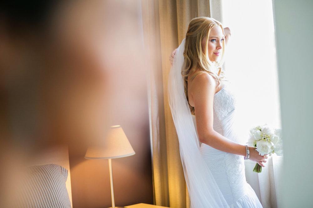 wedding-0408-veil-blue-eyes-blond-australia.jpg