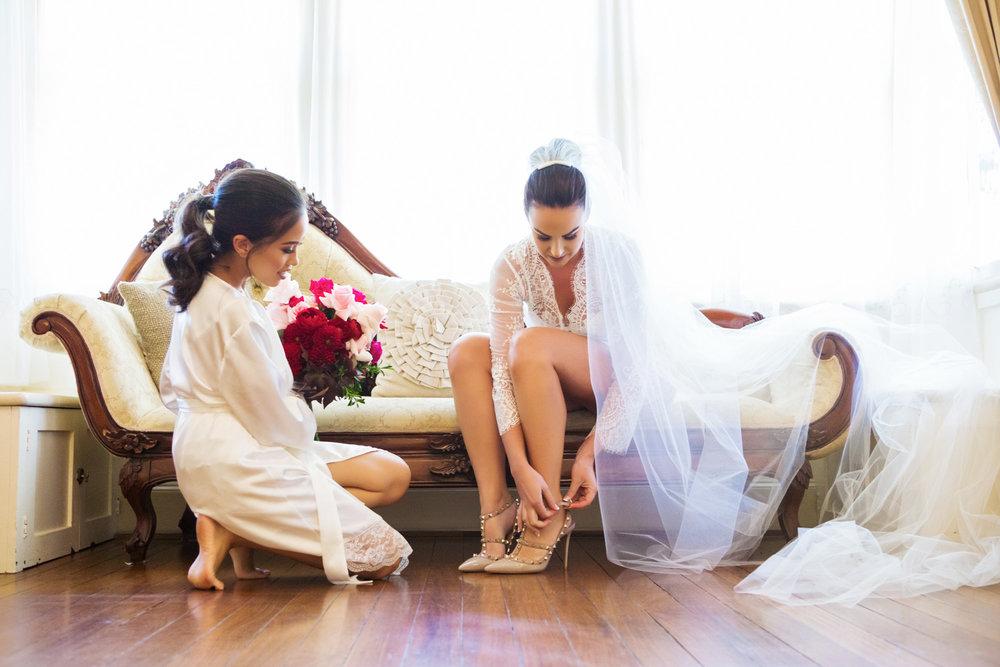 wedding-0416-veil-shoes-heals-dressinggown-queensland.jpg