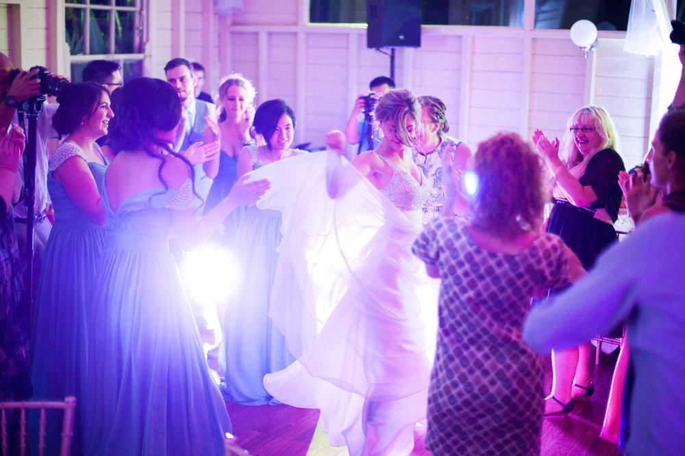 wedding-0554-sydney-dancing-bride-queensland.jpg