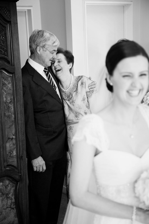 wedding-0515-parents-laughter-queensland.jpg