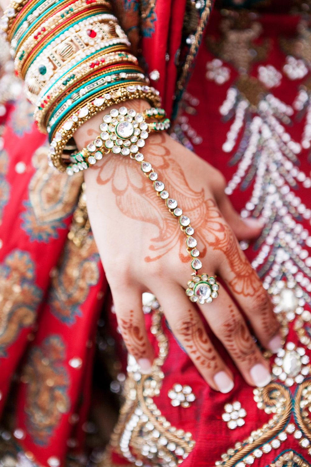 wedding-0349-indian-jewellery-henna-hands-traditional-brisbane.jpg