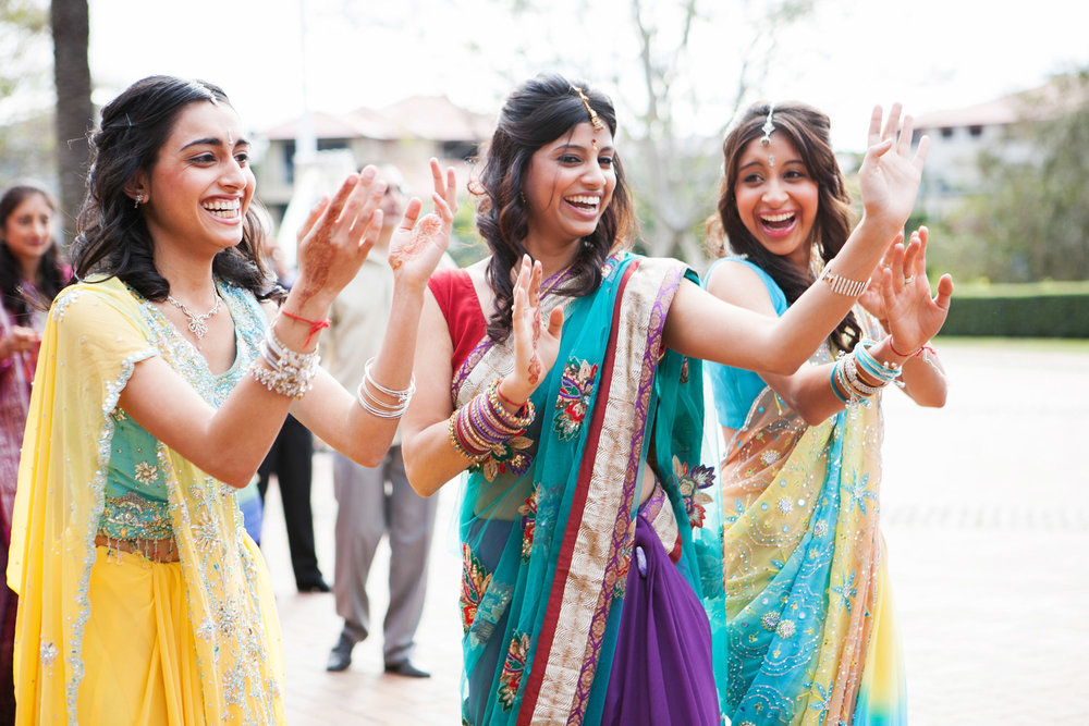 wedding-0363-indian-dancing-colourful-sari-australia.jpg