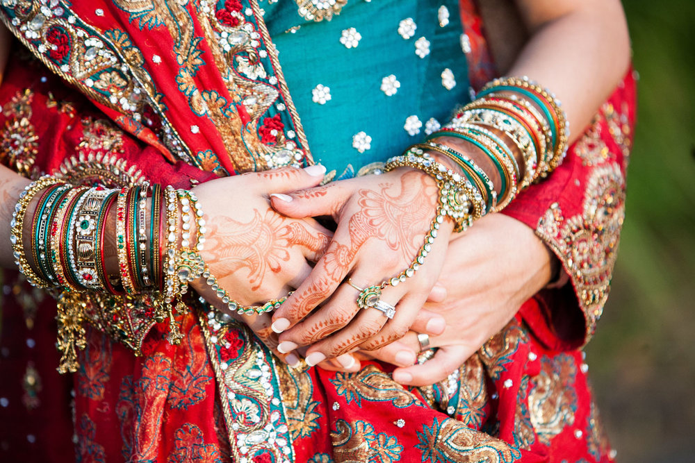 wedding-0381-indian-saris-henna-hands-jewellery-australia.jpg