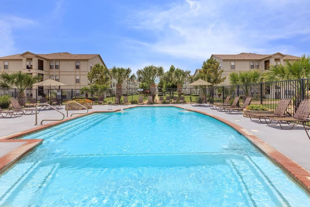 Landings at Carrier Parkway | Grand Prairie, TX