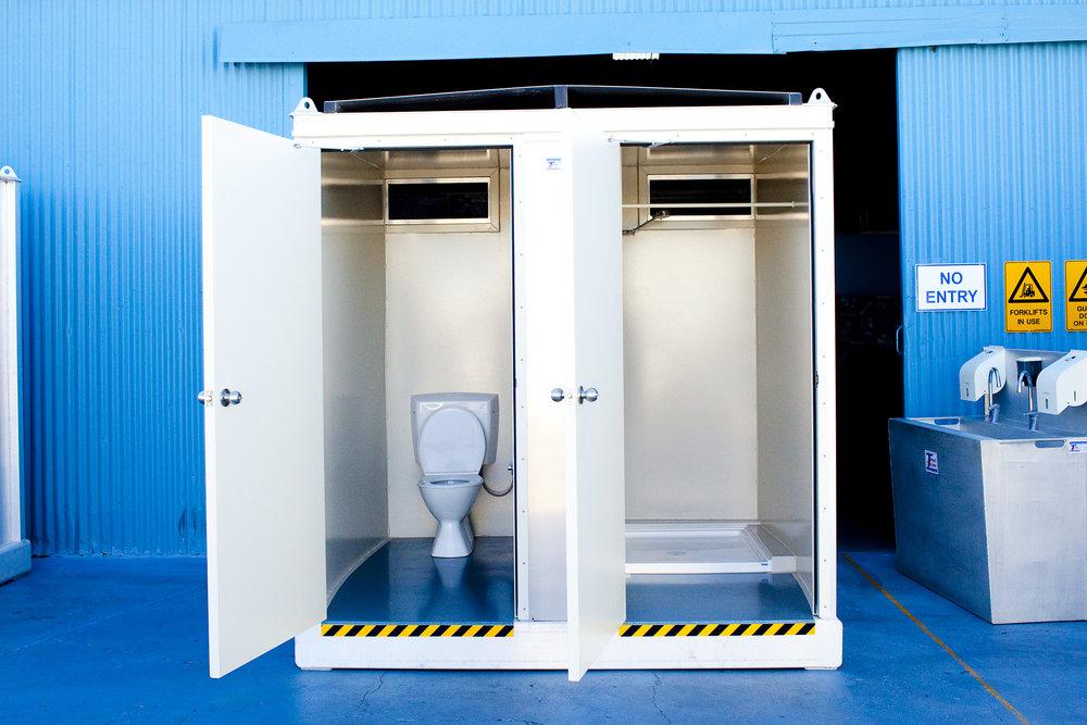 Cubicle 7 (ToiletShower inside).jpg