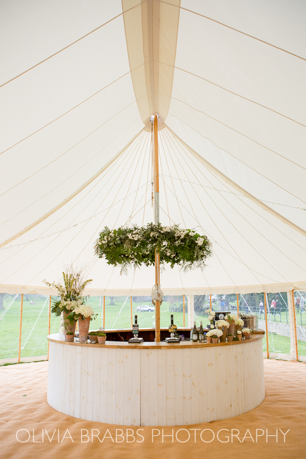 Circular Bar & Decorative Foliage