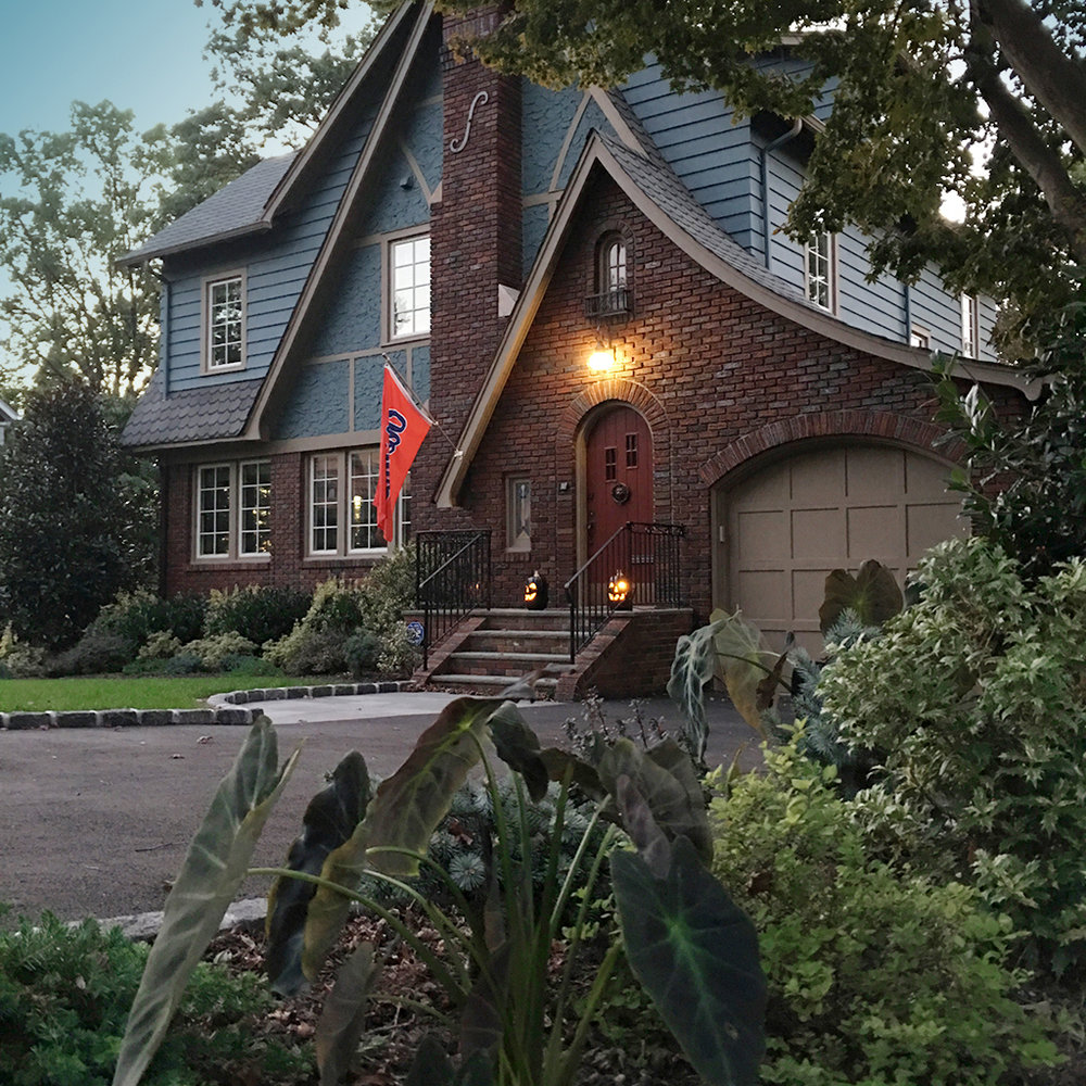HOUSE_1__1024x1024.jpg