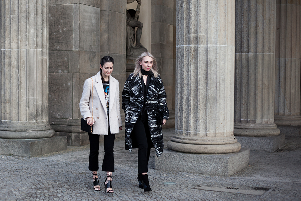 fashion-outfit-noa-noir-fashion-week-berlin-streetstyle-looks-minimal-monochromatic-theslctd-dutch-bloggers-2.png