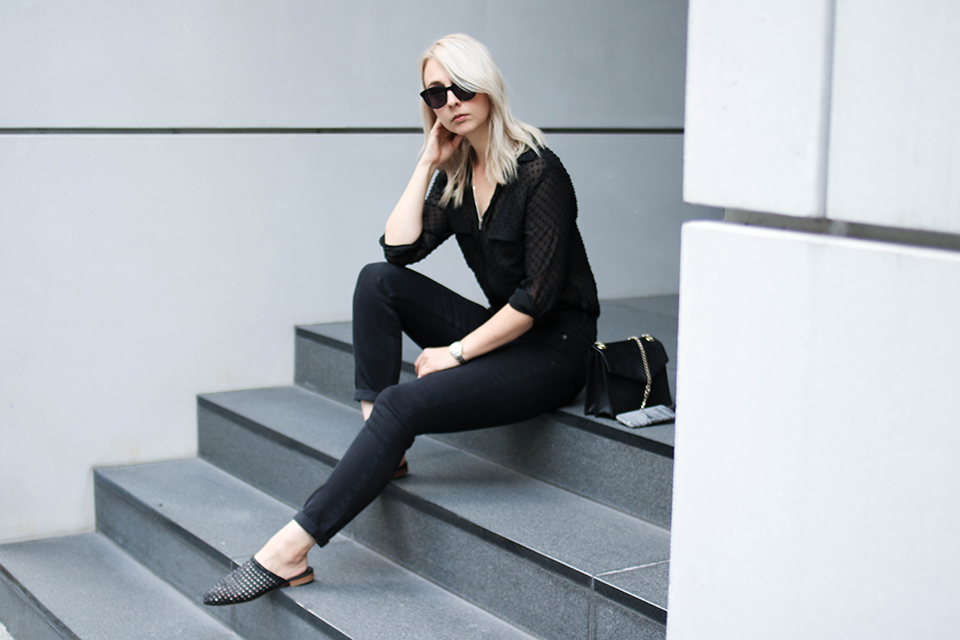 noa-noir-fashion-outfit-all-black-monochrome-fall-inspiration-sheer-blouse-trend-3.png