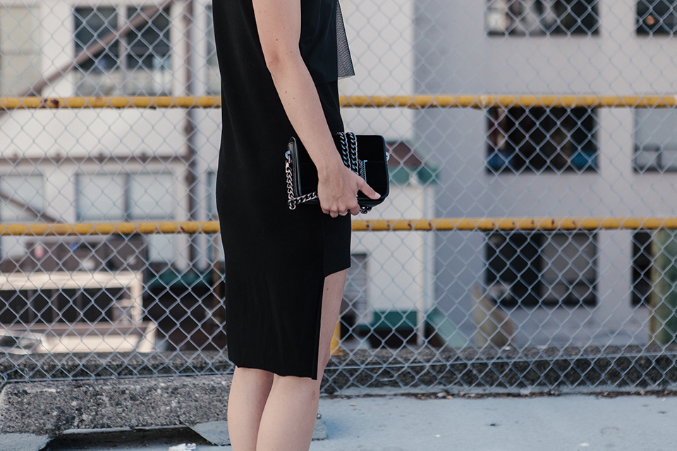 noa-noir-melissa-araujo-personalizing-minimal-style-alexander-ting-4.jpg