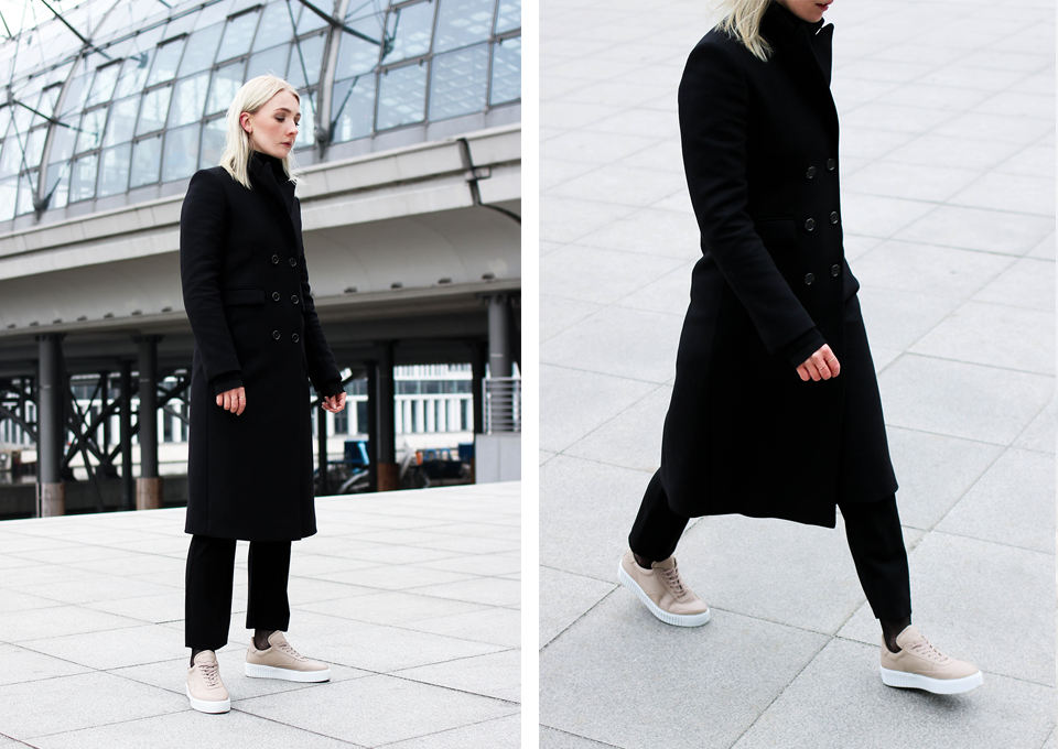 noa-noir-fashion-outfit-all-black-monochrome-winter-inspiration-jc14-nude-leather-sneakers-2.png