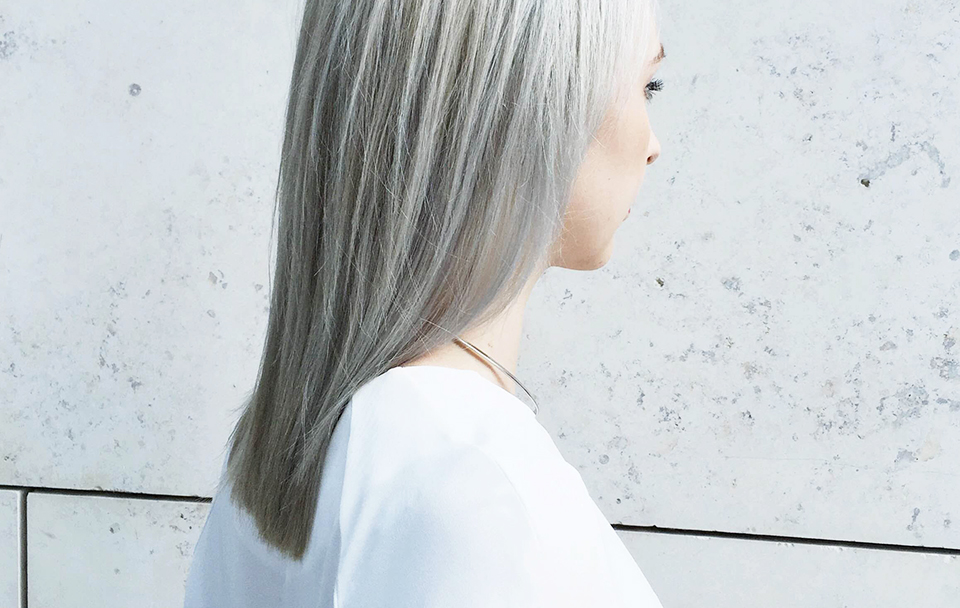 noa-noir-beauty-silver-hair-grey-blonde-inspiration-moij-hamburg-chris-weber-schwarzkopf-6.jpg