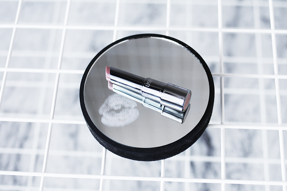 noa-noir-beauty-make-up-tips-best-nude-lipstick-lise-watier-2-1.jpg