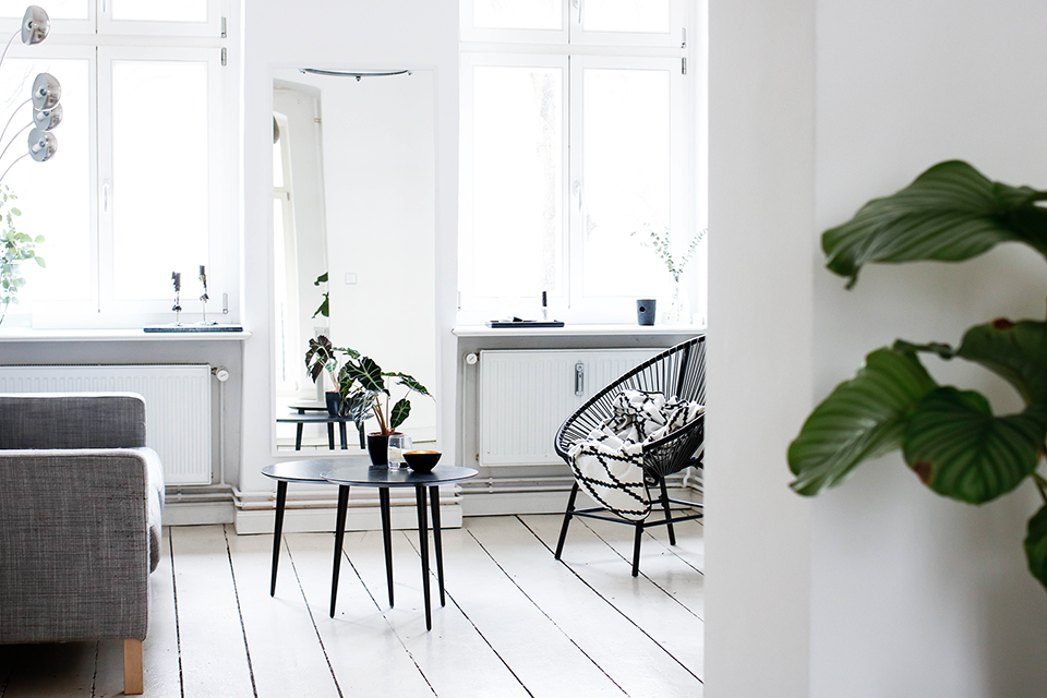 noa-noir-art-interior-design-monochromatic-minimal-home-scandinavian-inspired-11.png