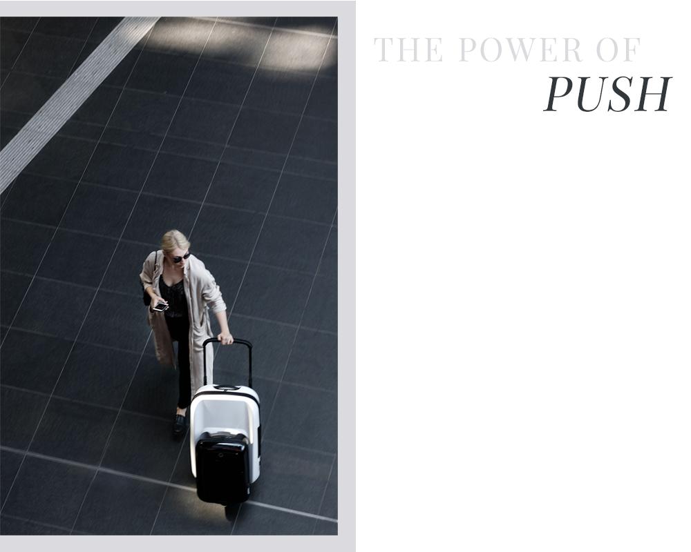 noa-noir-fashion-travel-lifestyle-minimalist-style-traveling-bugaboo-boxer-luggage-2-2.png
