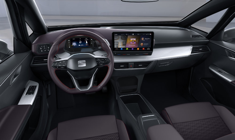 SEAT-el-Born-plugged-into-electric-mobility_09_HQ.jpg
