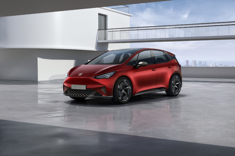 SEAT-el-Born-plugged-into-electric-mobility_01_HQ.jpg