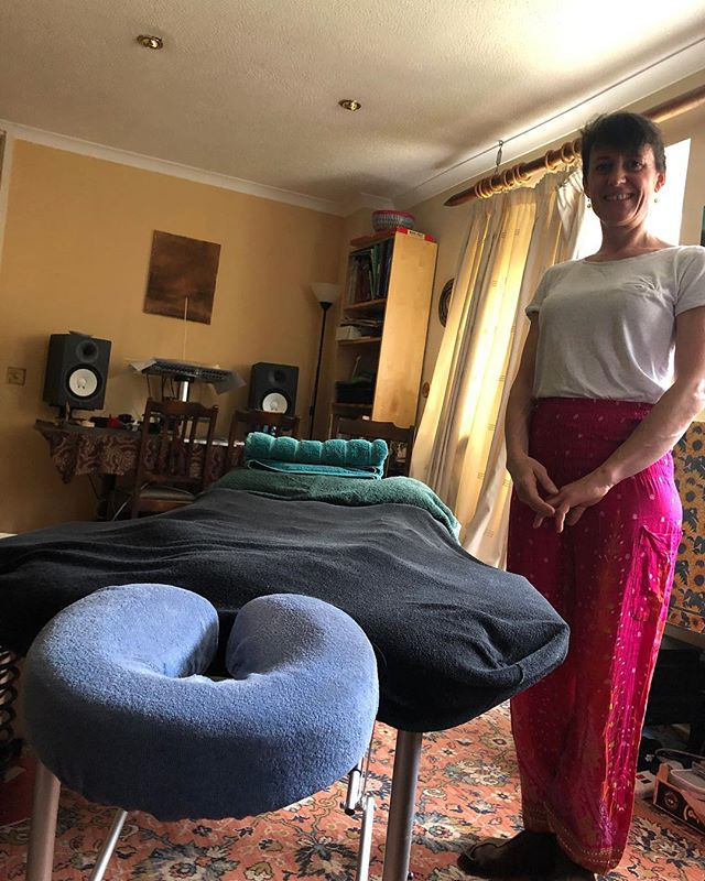 LOCAL HEALERS- meet Emma Tubman, reflexology and massage in Tulse Hill. Emma like most interesting people I meet has so many trainings and talents that she fizzes with kindness and energy. Her massage was clearly instinctual and she has an energy about her that left me relaxed but inspired. #southwestlondonhealers #massagetherapist #reflexology #balham #streatham #lambeth