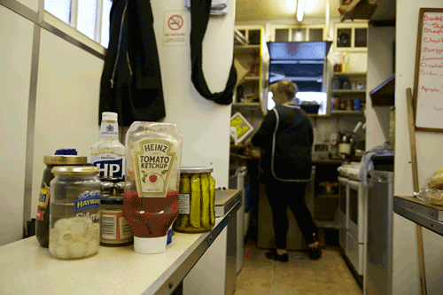 Cabbie-Shelters-in-and-out-Cromwell-AveMar-06-2014-condiments-hatch-1_web.png