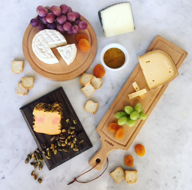 Best-Seller Crate | $100 - Includes: Bucheron| Beemster | Manchego | Port Wine + Fig Jam Wedge | Apricots | Petitie Toast | Honey | Cheese Cellar Crate (Not Pictured)Contains 2 LBS. of Cheese