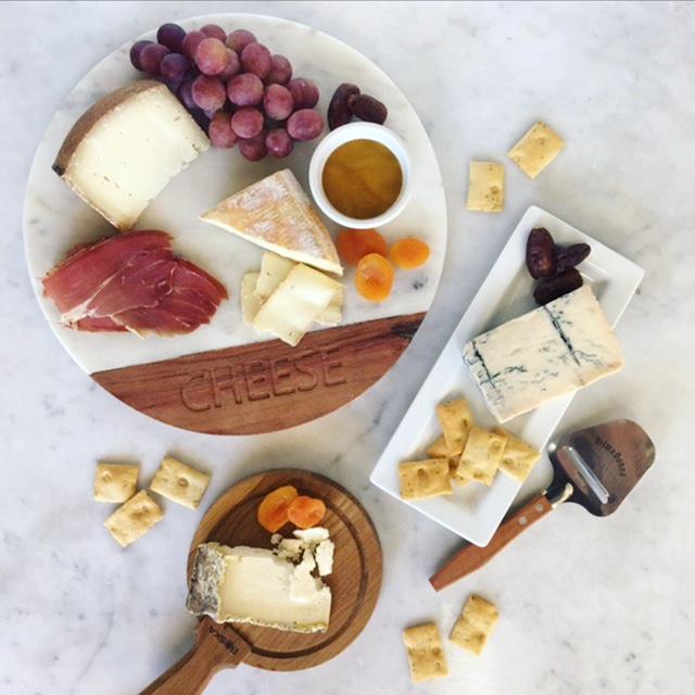 Italian Crate | $130 - Includes: Taleggio | Pecorino Sardino | Gorgonzola Piccante | Fresh Mozzarella | Honey | Crostini | Proscuitto | Hand Slicer | Cheese Cellar Crate (Not Pictured)Contains 2.5 LBS. of Cheese