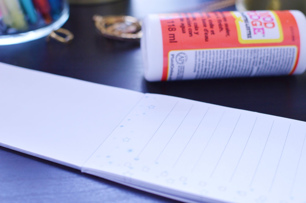 How to DIY Tear Off Notepads for Checklists and Notes + a Free Checklist
