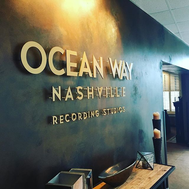 Had a great time recording in Oceanway A and B the past couple days!...Also one day I might be able to take good pictures 😬 #oceanwaystudios #nashville #audioengineer #tylategreat