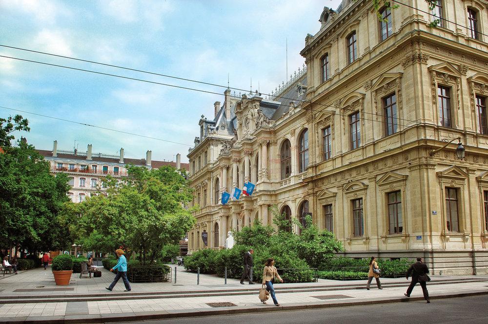 PALAIS DE LA BOURSE / CCI DE LYON  Place des Cordeliers 69002 LYON