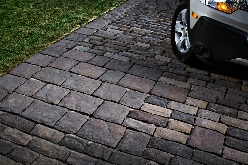 How to clean driveway pavers