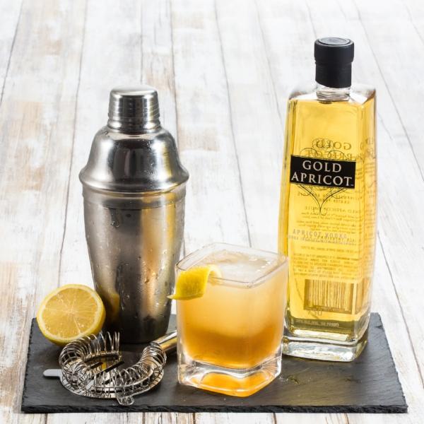 0918-GA-Apricot-Whiskey-Sour.jpg