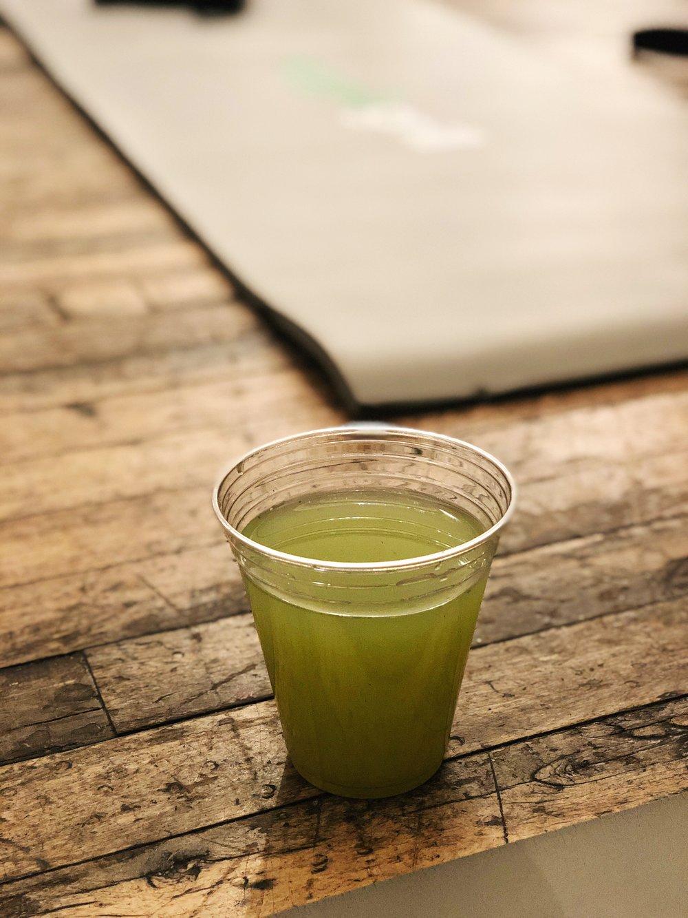 almondsandasana_veggiegrill_greenjuice.JPG