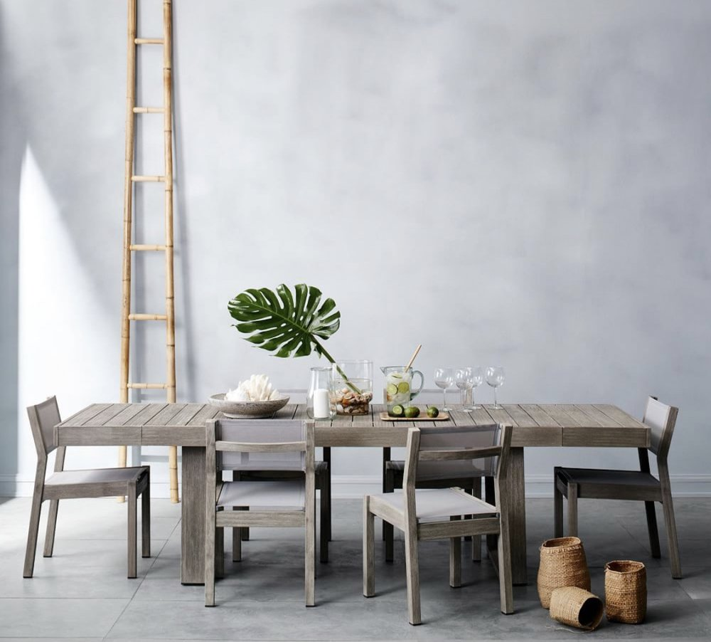 We really want to accommodate friends on our roof deck this summer by hosting dinner parties, so this expandable table is ideal for those crowds!