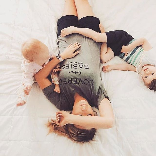 Covered in babies and loving it. How sweet is @eqaustin's tee (and her little ones!)? Time to get one of these, stat // 📷: @eqaustin #coveredinbabies #motherhoodherway