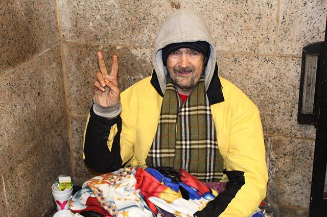 Meet our friend Lary, he sends everyone peace and love for the New Year❤️💫 #helpthehomeless #nyc #wevegotyoucovered #spreadlove #nychomeless #helppeople #thehomies #homelesslivesmatter