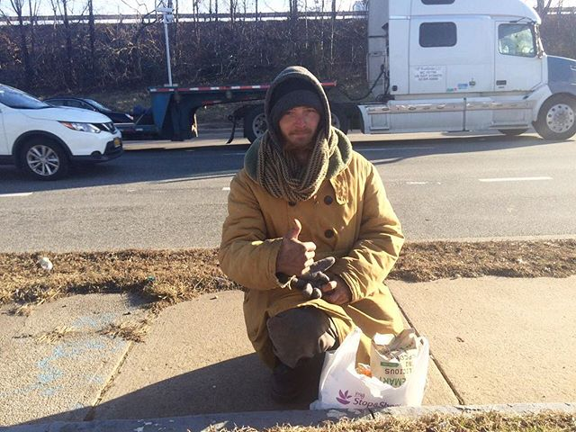 Meet our new friend Jeremy, we met him out here on Long Island. A young father of 2 boys trying to get back on his feet after a bad car accident. Thanks for showing Jeremy some love today @coliecuervo #helpthehomeless #WGYC #actsofkindness #longislandhomeless #helppeople