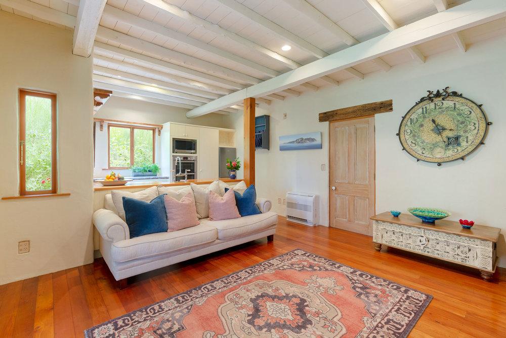 Motueka-River-Lodge-The-Cottage-seating-area.jpg