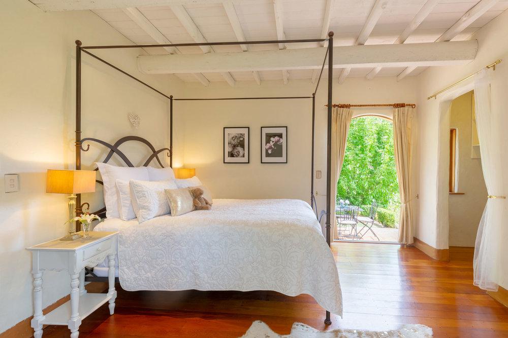Motueka-River-Lodge-The-Cottage-bedroom-2.jpg