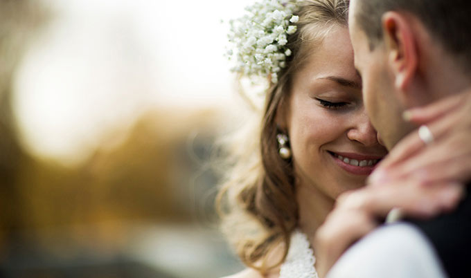 newlywed-couple_Thinkstock_680x402.jpg