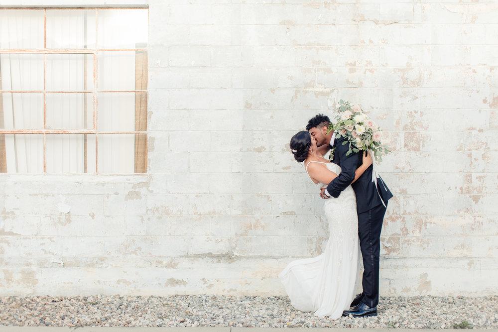Smoky-Hollow-Studios-Wedding-Tori-Peppy-0148.jpg