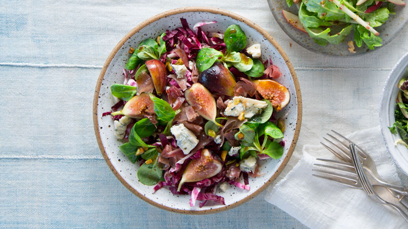 FRESH FIG SALAD WITH PROSCIUTTO AND AGED BALSAMIC VINAIGRETTE