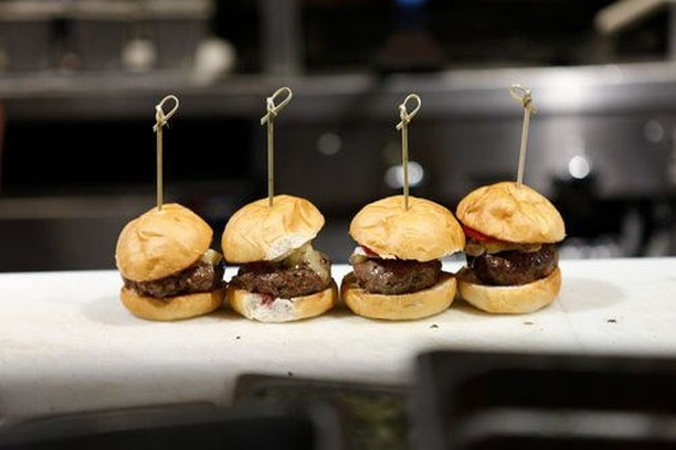 Come on get happy! Enjoy our Prime Beef sliders weekdays from 4-6 pm with a cocktail or microbrew, all for less than menu price. #happyhour #cocktails #shanahansdenver #besthappyhour