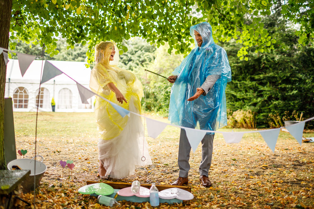 Lina and Tom Photography demonstrating here how to smash a rainy day wedding out the park.