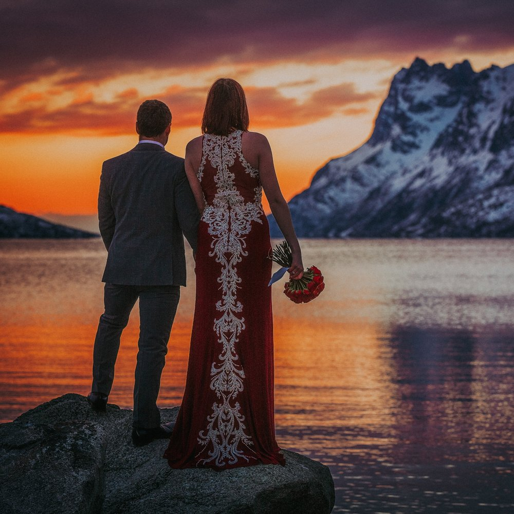 Adventure wedding/Elopement - Includes photos from the ceremony / first look, and custom location suggestions.6-8 hours.