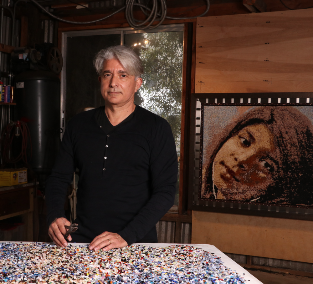 Jorge Gustavo - The artist behind Pixaic